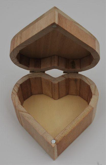 Szkatułka grawerowana serce