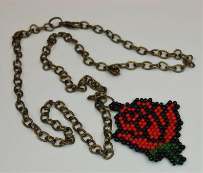 Wisiorek róża